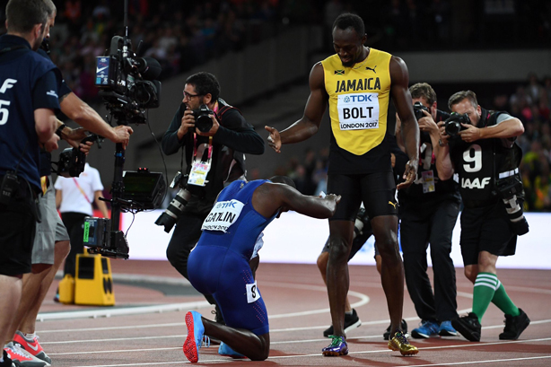 Justin Gatlin bows for Usain Bolt