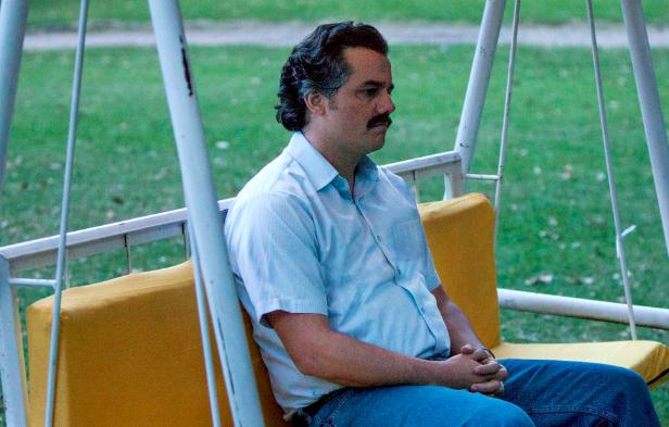 Pablo sitting, meme