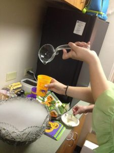 Right-handed ladle